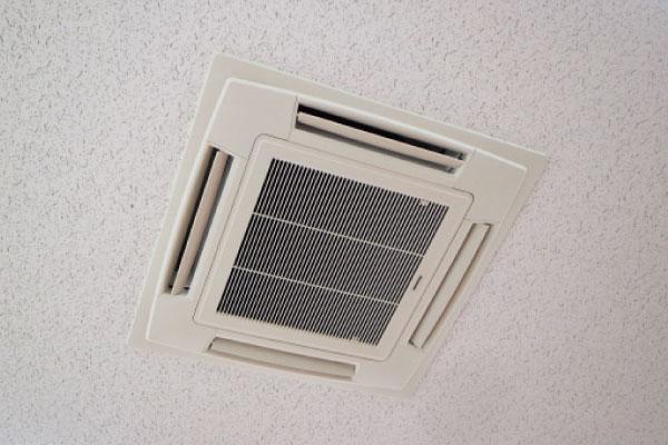 ビル・工場用施設の業務用エアコン